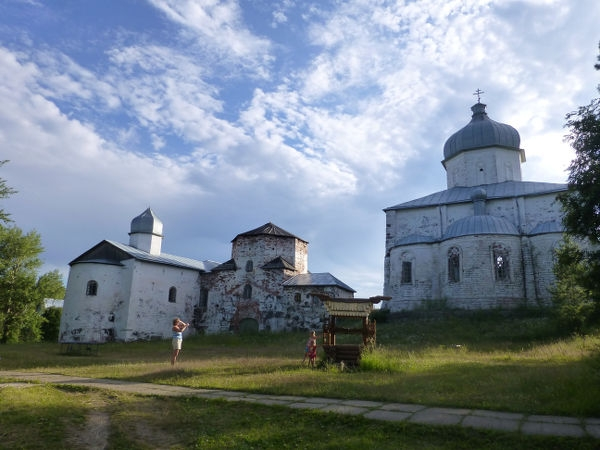 Kiy-ostrovsky-Krestny-monastery_001