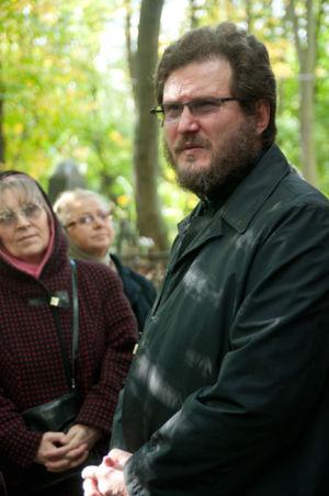 2012-09-29 Activity Vvedenskoye-cemetery Pilgrimage 005