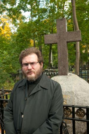 2012-09-29 Activity Vvedenskoye-cemetery Pilgrimage 006