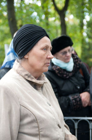 2012-09-29 Activity Vvedenskoye-cemetery Pilgrimage 020
