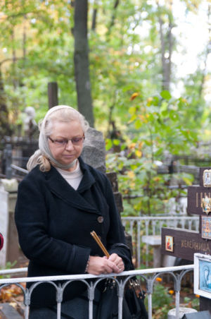 2012-09-29 Activity Vvedenskoye-cemetery Pilgrimage 021