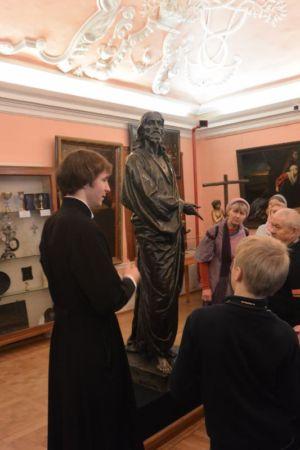 2014-11-15 Activity St-sergius-lavra Pilgrimage Web 003