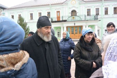 2014-11-15 Activity St-sergius-lavra Pilgrimage Web 009