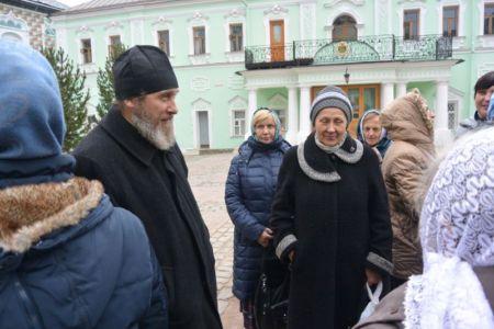 2014-11-15 Activity St-sergius-lavra Pilgrimage Web 010