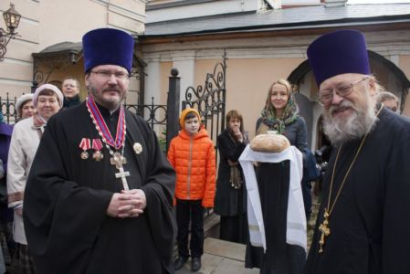 2015-10-11 Service Mitr-arseny-of-istra Liturgy Photo-gureev Web 001