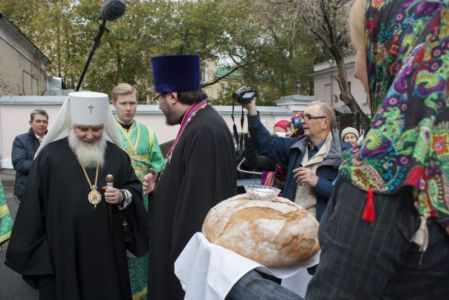 2015-10-11 Service Mitr-arseny-of-istra Liturgy Photo-gureev Web 003