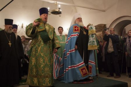 2015-10-11 Service Mitr-arseny-of-istra Liturgy Photo-gureev Web 007