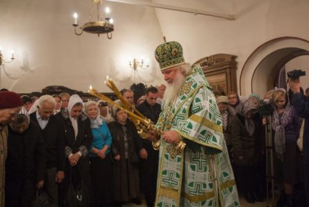 2015-10-11 Service Mitr-arseny-of-istra Liturgy Photo-gureev Web 009