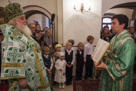 2015-10-11 Service Mitr-arseny-of-istra Liturgy Photo-gureev Web 013