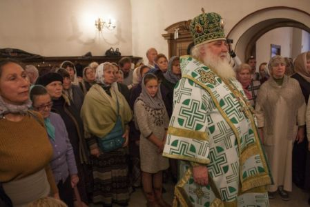 2015-10-11 Service Mitr-arseny-of-istra Liturgy Photo-gureev Web 019