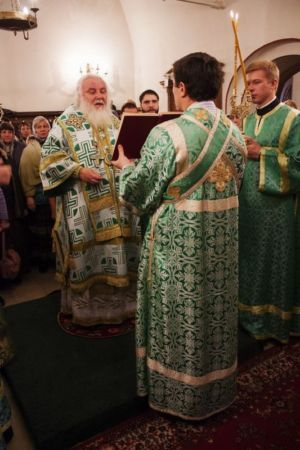 2015-10-11 Service Mitr-arseny-of-istra Liturgy Photo-gureev Web 021