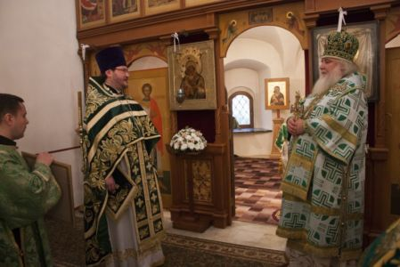 2015-10-11 Service Mitr-arseny-of-istra Liturgy Photo-gureev Web 023