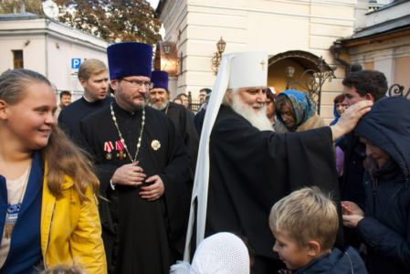 2015-10-11 Service Mitr-arseny-of-istra Liturgy Photo-gureev Web 029