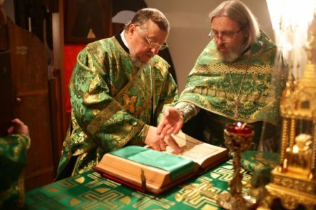 2015-10-11 Service Mitr-arseny-of-istra Liturgy Photo-nikitin Web 001
