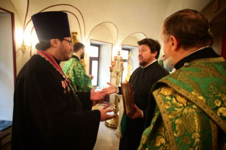 2015-10-11 Service Mitr-arseny-of-istra Liturgy Photo-nikitin Web 006