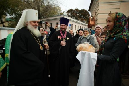 2015-10-11 Service Mitr-arseny-of-istra Liturgy Photo-nikitin Web 013