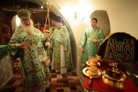 2015-10-11 Service Mitr-arseny-of-istra Liturgy Photo-nikitin Web 031