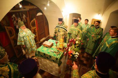 2015-10-11 Service Mitr-arseny-of-istra Liturgy Photo-nikitin Web 033