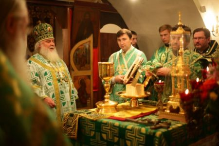 2015-10-11 Service Mitr-arseny-of-istra Liturgy Photo-nikitin Web 048