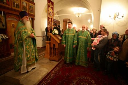 2015-10-11 Service Mitr-arseny-of-istra Liturgy Photo-nikitin Web 054