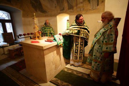 2015-10-11 Service Mitr-arseny-of-istra Liturgy Photo-nikitin Web 055
