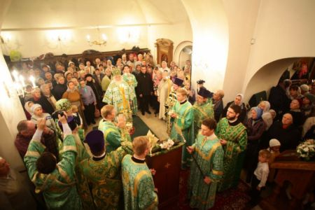 2015-10-11 Service Mitr-arseny-of-istra Liturgy Photo-nikitin Web 061