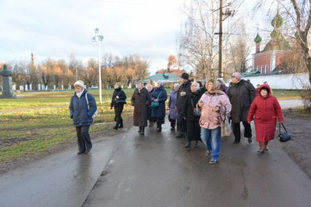 2015-11-21 Activity Pereslavl-zalessky Pilgrimage Web 029