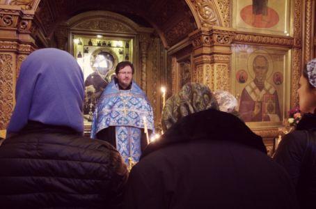 2016-04-05 Service Iverskaya-chapel Akafist Web 002
