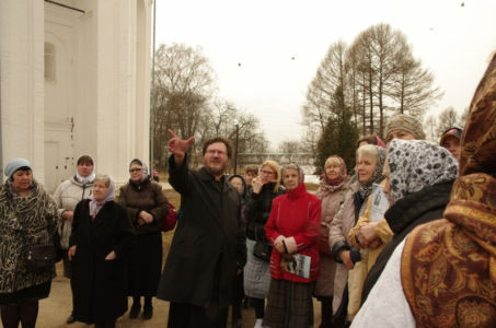 2016-04-09 Activity Alexandrov Pilgrimage Web 017