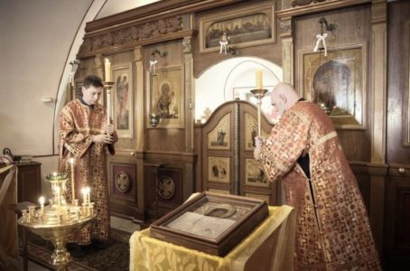 2016-07-03 Service All-russian-saints-day 007